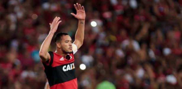 Réver está fora do importante compromisso do Flamengo pela Copa Libertadores