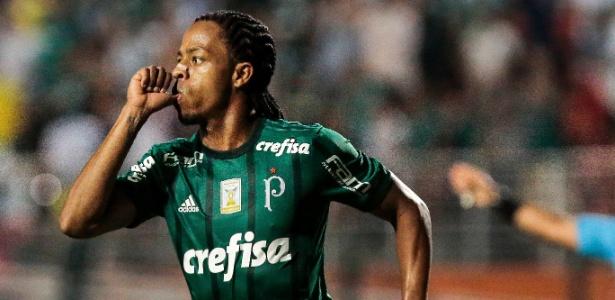 Keno comemora após marcar pelo Palmeiras em jogo contra a Ponte Preta