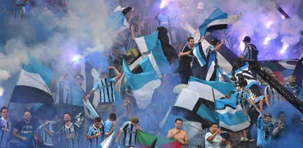 Torcida do Grêmio faz festa na final da Libertadores de 2017; cidade quer receber decisão