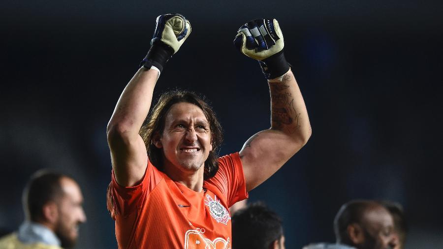 Cássio comemora vitória do Corinthians contra o Racing - Marcelo Endelli/Getty Images