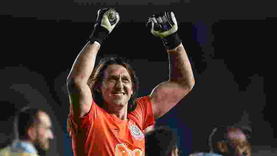 Cássio comemora vitória do Corinthians sobre o Racing - Marcelo Endelli/Getty Images