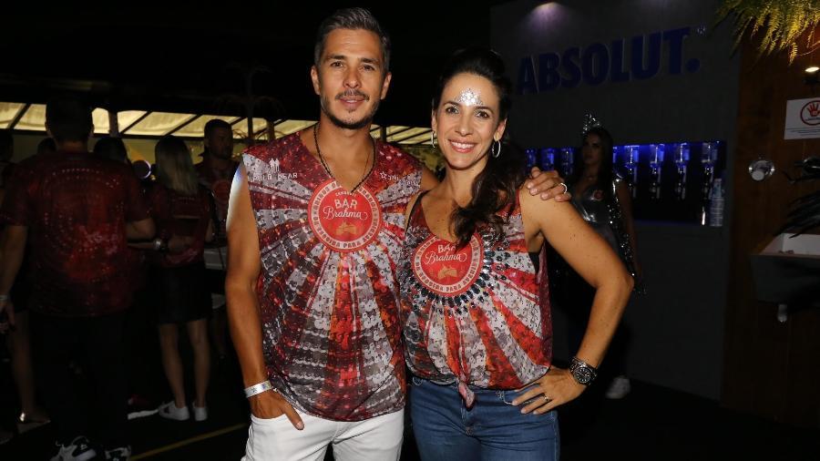 Ivan Moré e a mulher, Mariana, no camarote Bar Brahma no Carnaval de São Paulo - Claudio Augusto/Brazil News