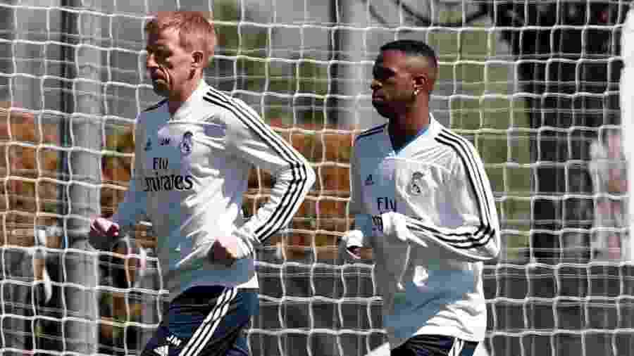 Vinícius Júnior participa de treino do Real Madrid no gramado - Divulgação/Real Madrid