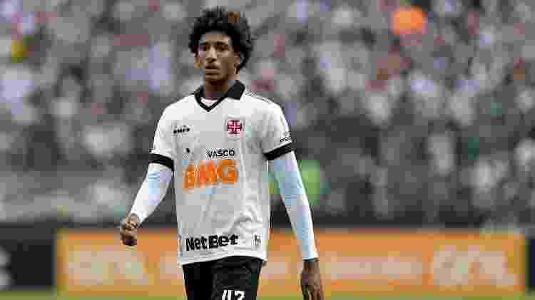 Talles Magno, do Vasco, durante jogo contra o Athletico - Thiago Ribeiro/AGIF - Thiago Ribeiro/AGIF