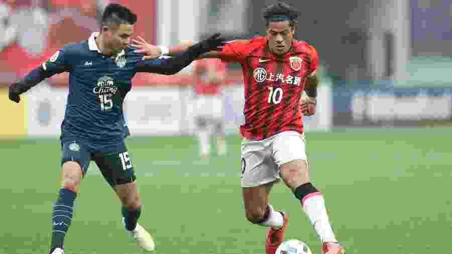 Hulk, atacante do Shanghai SIPG, em ação durante vitória sobre o Buraram United - Xinhua/Ding Ting