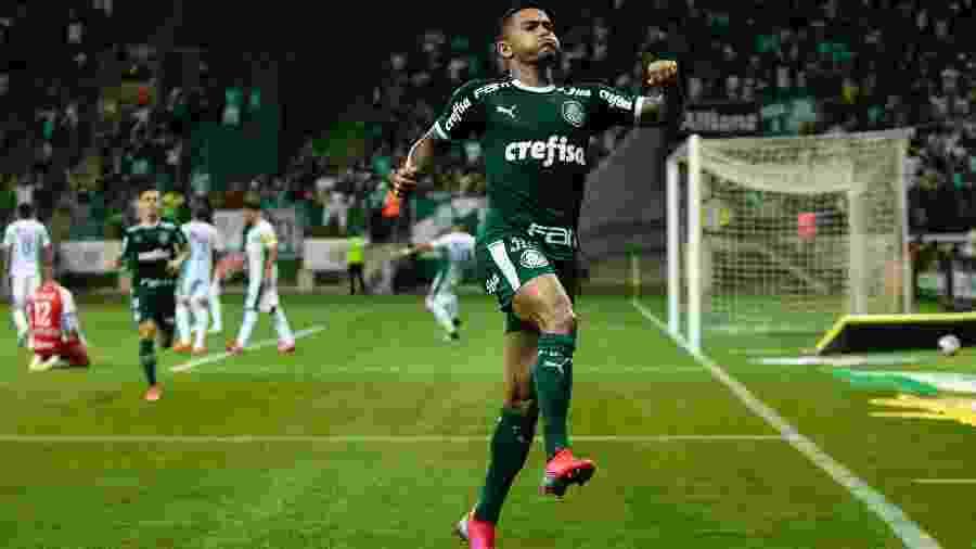 Dudu comemora gol pelo Palmeiras - Daniel Vorley/AGIF