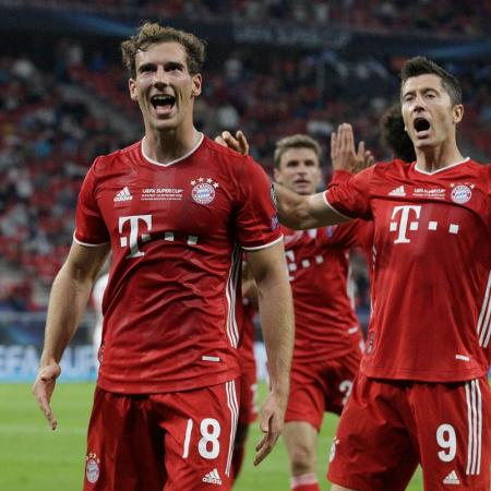 Goretzka comemora gol do Bayern de Munique contra o Sevilla na Supercopa da Uefa - BERNADETT SZABO / POOL / AFP