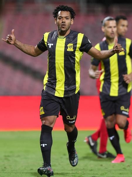 Romarinho faz hat-trick na Arábia Saudita e supera artilheiros brasileiros na Europa - Al Ittihad