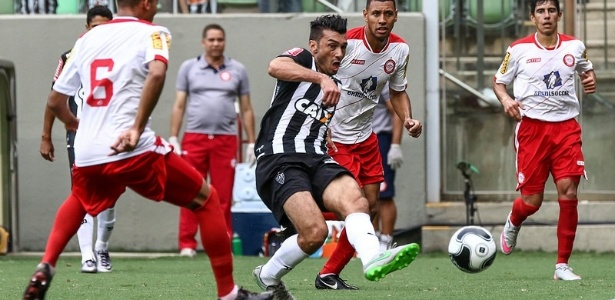 Dátolo ficou em campo somente 15 minutos e o Atlético-MG caiu demais depois da lesão do meia