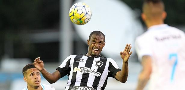Airton, do Botafogo, é um nome que interessa à diretoria do Atlético-MG