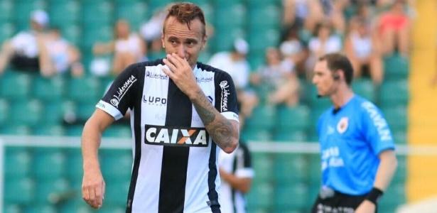 """Zé Love sobre segundo turno do Figueira na Série B: """"Temos que acreditar até o fim"""""""