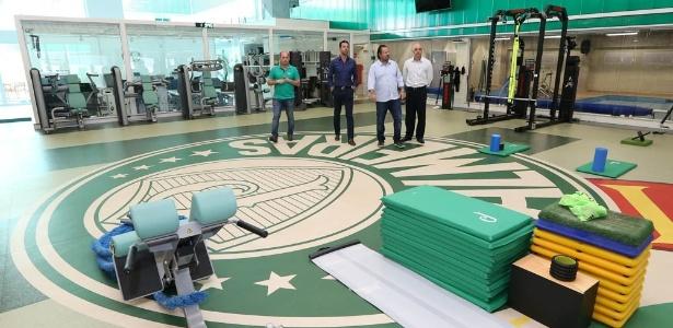 Edu Gaspar visita o CT do Palmeiras; dirigente gostou do que viu e bateu o martelo