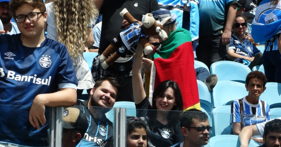Torcida do Grêmio comemora título na Arena