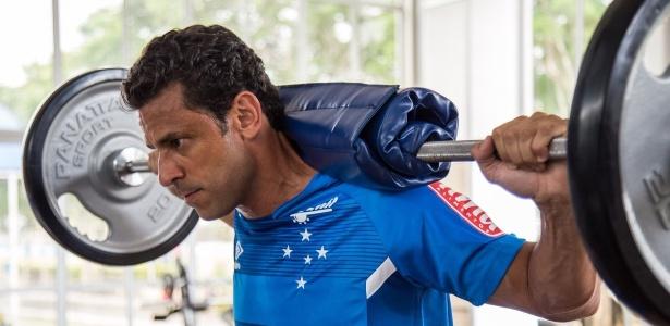 Atacante Fred, em primeiro treino do Cruzeiro na Toca da Raposa