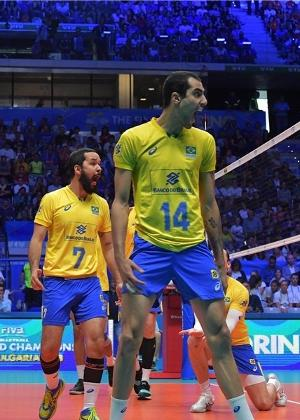Vôlei  Brasil vence Rússia de virada e dá passo importante por vaga ... 8bad0711be89b