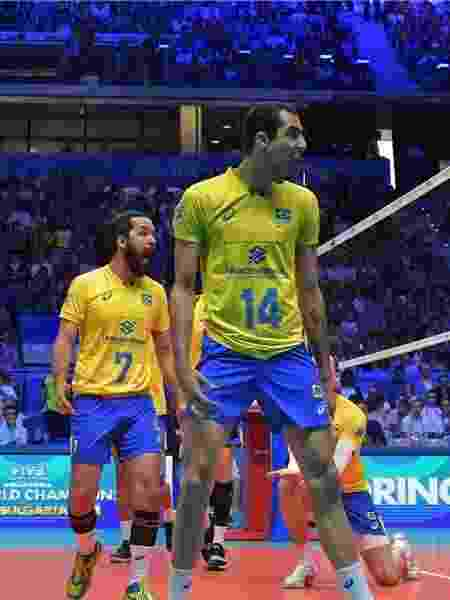 Divulgação FIVB. Seleção brasileira em ação durante confronto contra a  Rússia Imagem  ... f28291ad5bfd0
