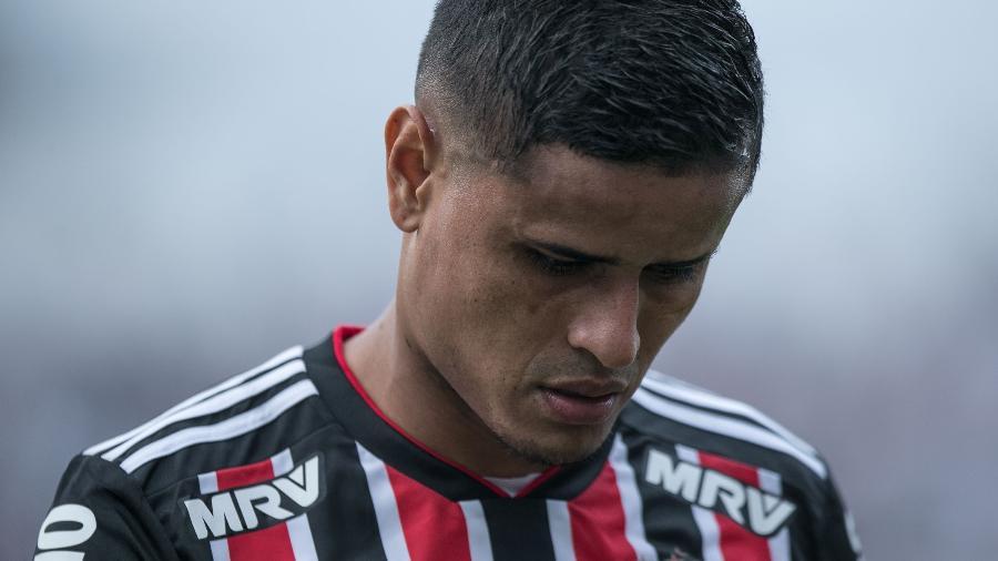 Everton deixou o clássico contra o Corinthians no intervalo ontem, em Itaquera - Pedro Vale/AGIF