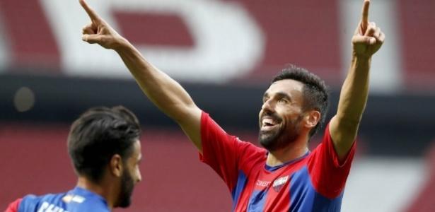 Aos 32 anos, Gallego está em sua primeira temporada na segunda divisão - Divulgação