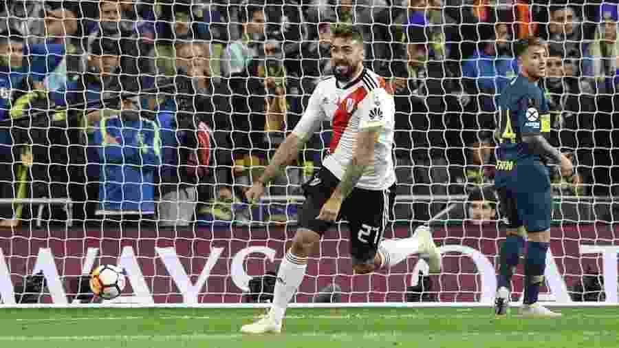 Lucas Pratto comemora após marcar o gol de empate do River Plate - Rodrigo Jimenez/EFE