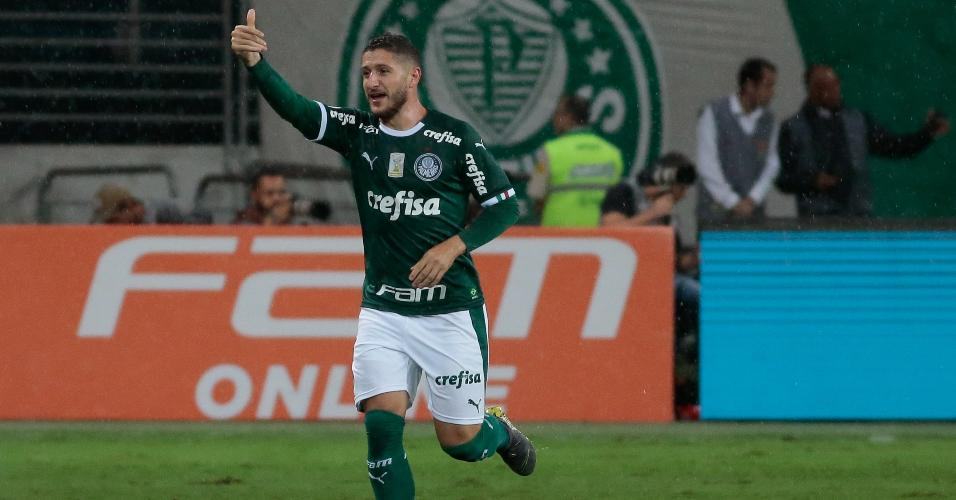 70ac4e611 Ze Rafael, do Palmeiras, comemora seu gol durante partida contra o  Fortaleza pelo Campeonato