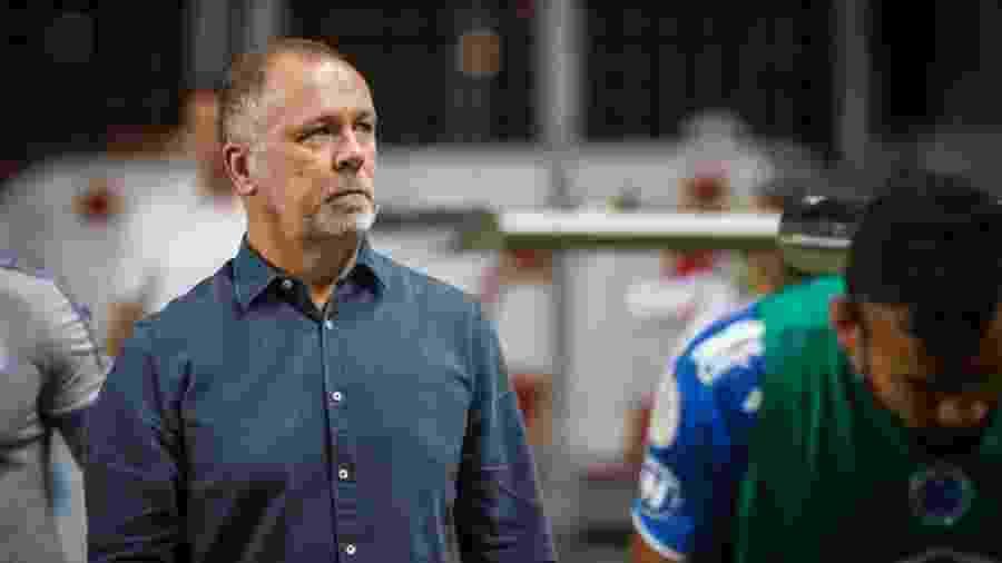 Mano Menezes, treinador do Cruzeiro, antes de derrota para a Chapecoense no Independência - Vinnicius Silva/Cruzeiro