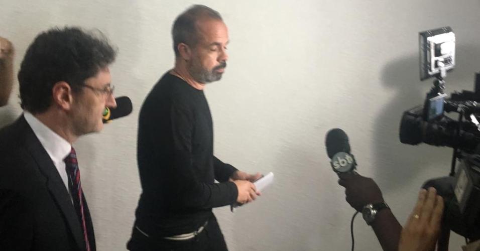 Alex Bernardo, assessor de Neymar, presta depoimento