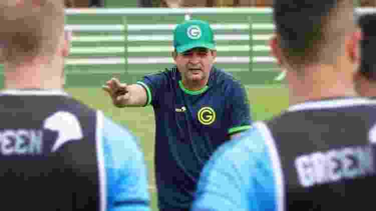 Técnico Ney Franco comanda treino no Goiás - Goiás Esporte Clube - Goiás Esporte Clube