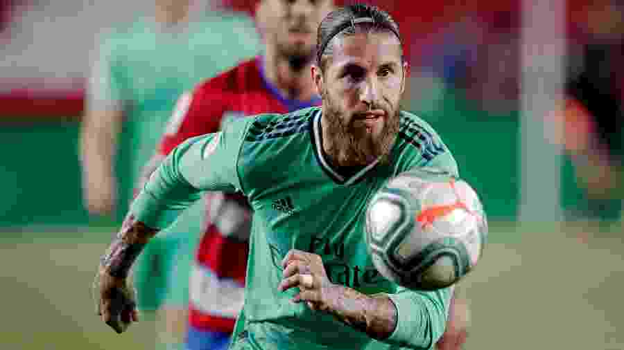 Sergio Ramos durante jogo entre Granada e Real Madrid - David S. Bustamante/Soccrates/Getty Images