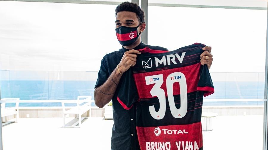 Zagueiro Bruno Viana foi anunciado como novo reforço do Flamengo - Marcelo Cortes/Flamengo