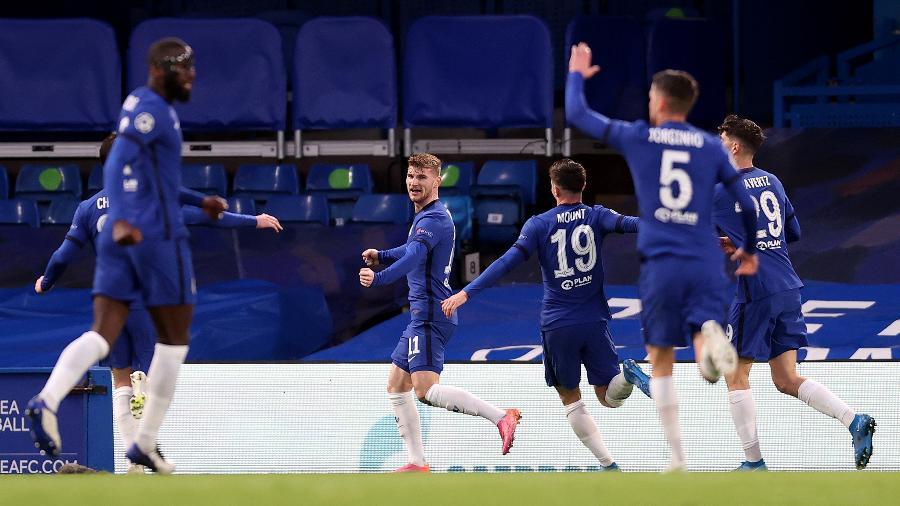 Jogadores do Chelsea comemoram gol na vitória sobre o Real Madrid - Getty Images