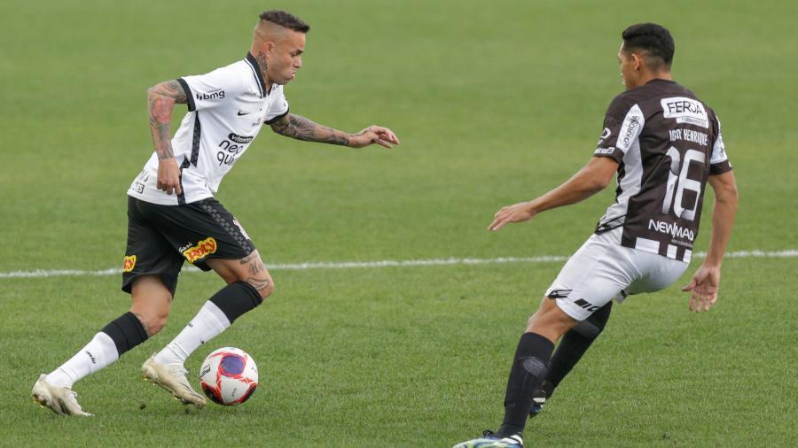 Luan encara a marcação durante Corinthians x Inter de Limeira-SP pelo Paulistão 2021 - Marcello Zambrana/AGIF