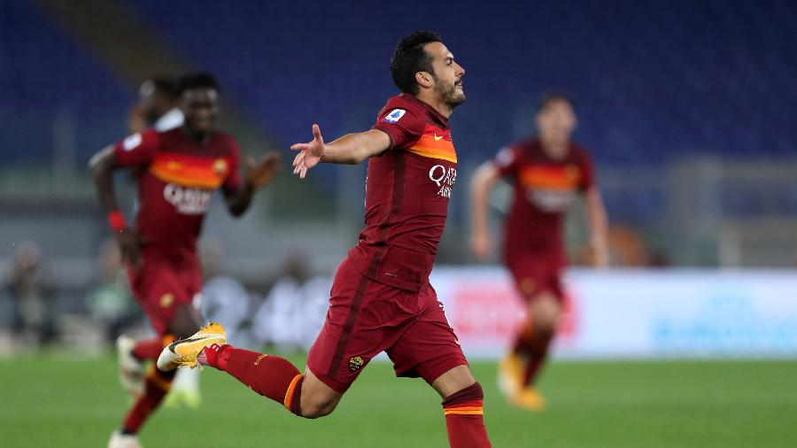 Pedro comemora gol da Roma contra a Lazio em clássico italiano - Paolo Bruno/Getty Images