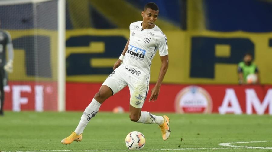 Madson em ação pelo Santos. - Ivan Storti/Santos FC