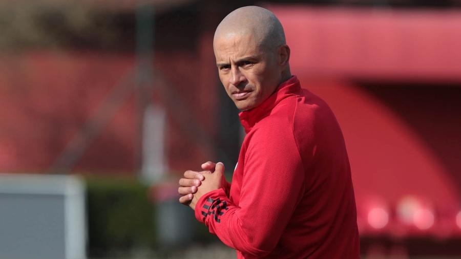 Alex, técnico do sub-20 do São Paulo, em duelo contra o Corinthians - Rubens Chiri/saopaulofc.net