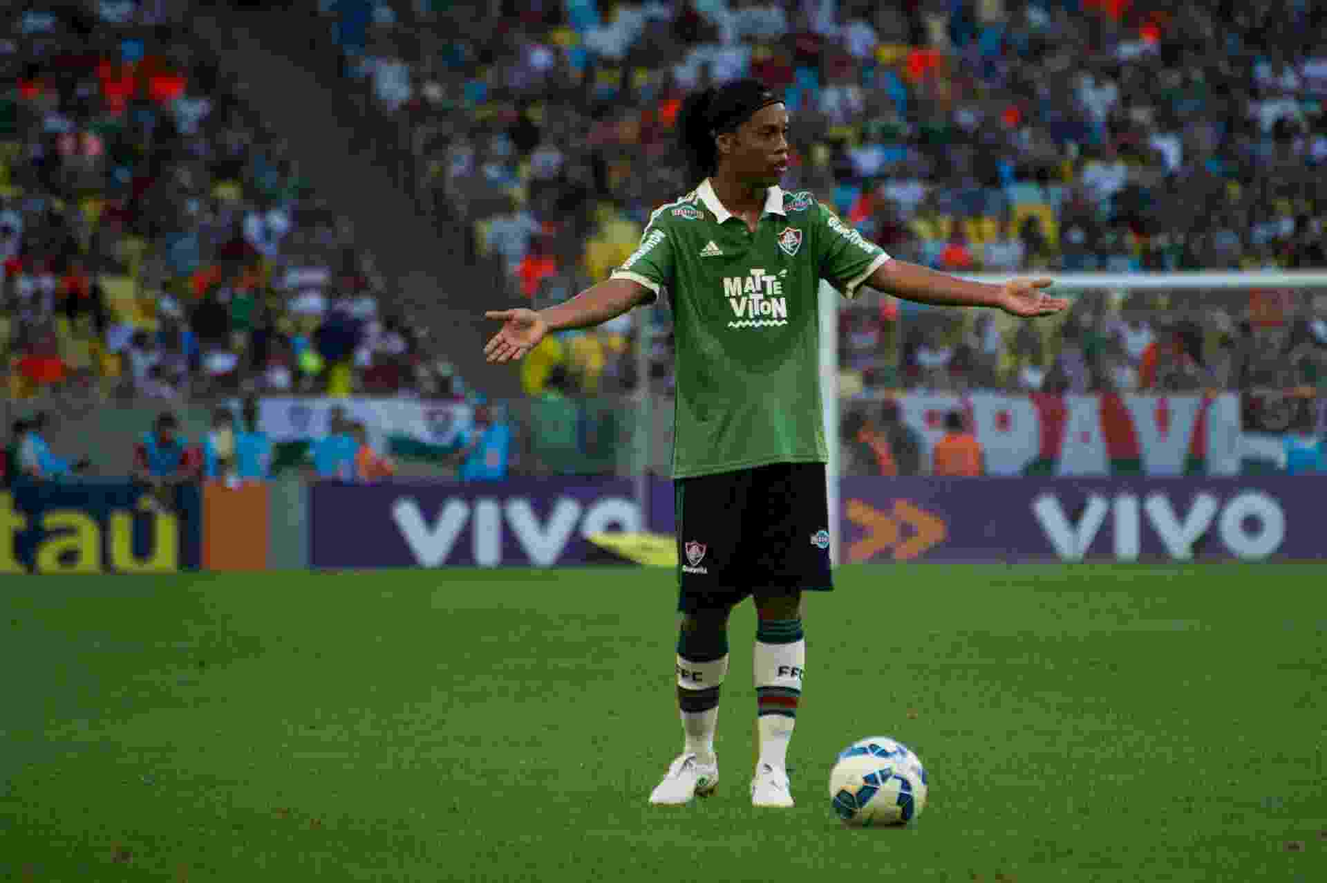 Ronaldinho Gaúcho gesticula durante confronto entre Fluminense e Atlético-MG - Bruno Haddad/Fluminense FC
