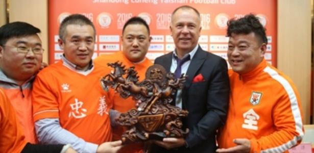 Mano Menezes chegou ao Shandong Luneng em dezembro do ano passado