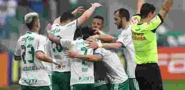 Palmeirenses comemoram gol contra o Santa Cruz - Cesar Greco/Ag Palmeiras - Cesar Greco/Ag Palmeiras