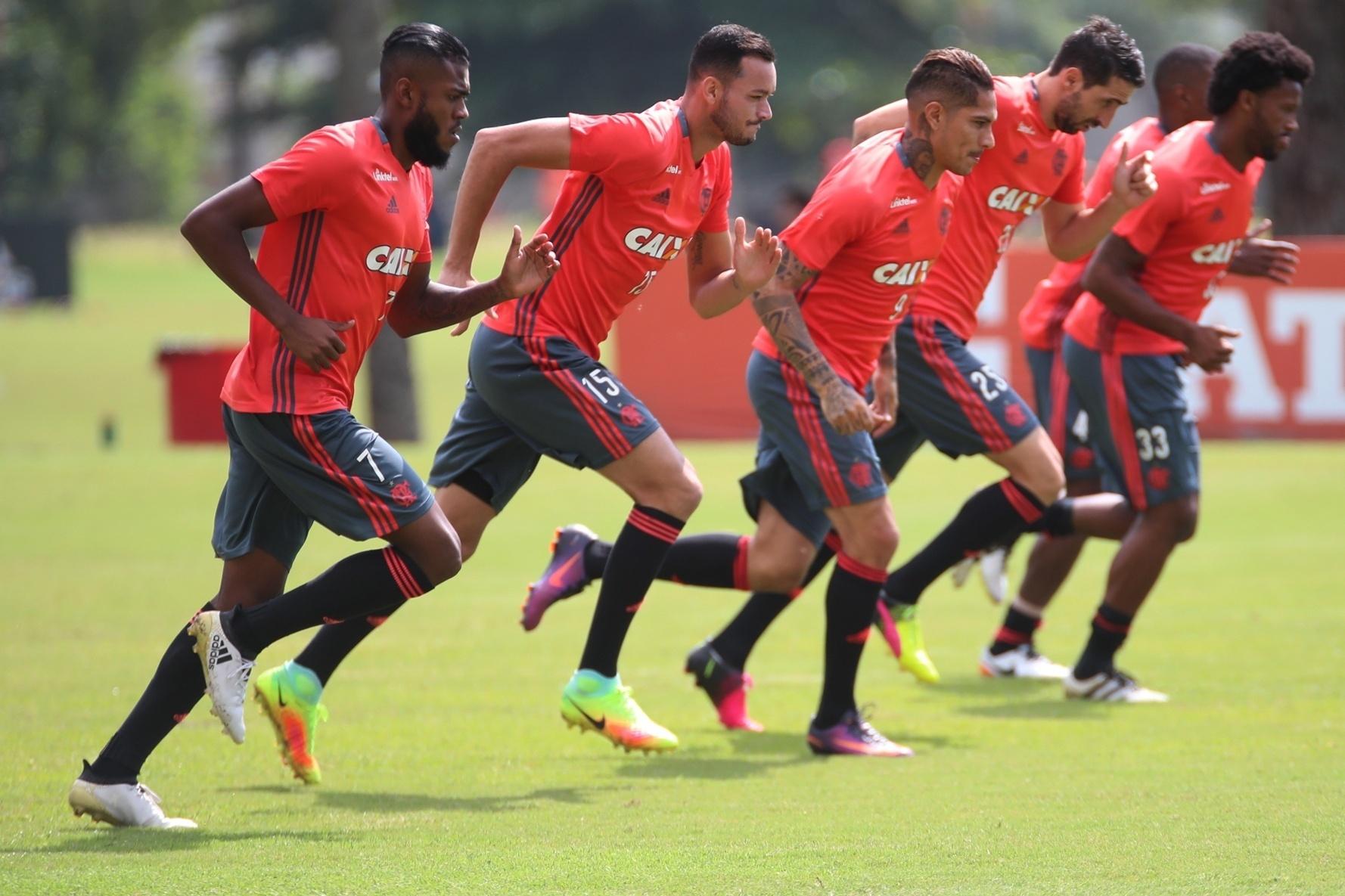 Marcelo Cirino e Réver podem resolver os problemas de Flamengo e Inter em 2017