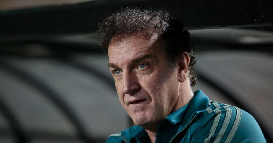 O técnico Cuca comanda o Palmeiras contra o Bahia