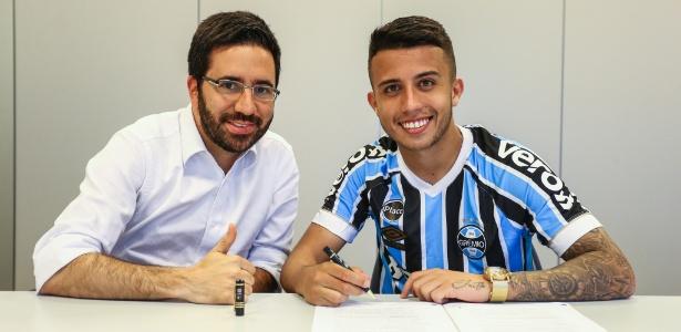 Grêmio já tinha 10% dos direitos econômicos do volante e conseguiu adquirir mais 60%  - Lucas Uebel/Grêmio