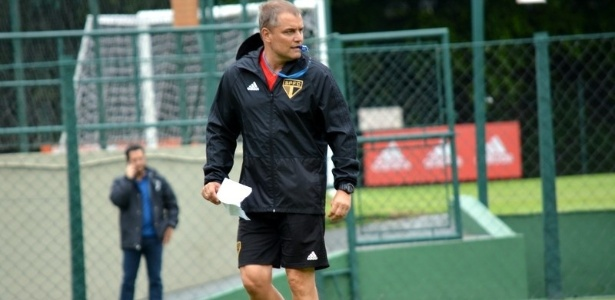 O uruguaio Aguirre durante o treino do São Paulo nesta sexta-feira - Érico Leonan / saopaulofc.net