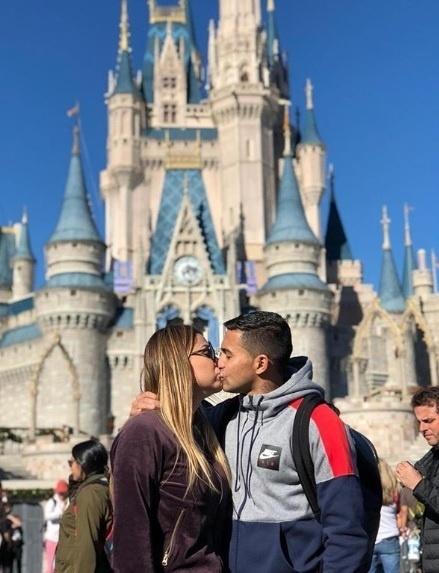 Dudu em momento romântico com a mulher Mallu Ohana, no Magic Kingdom, na Disney