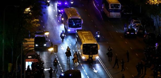 Delegações chegaram sem incidentes no estádio Santiago Bernabéu - Juan Medxina/Reuters