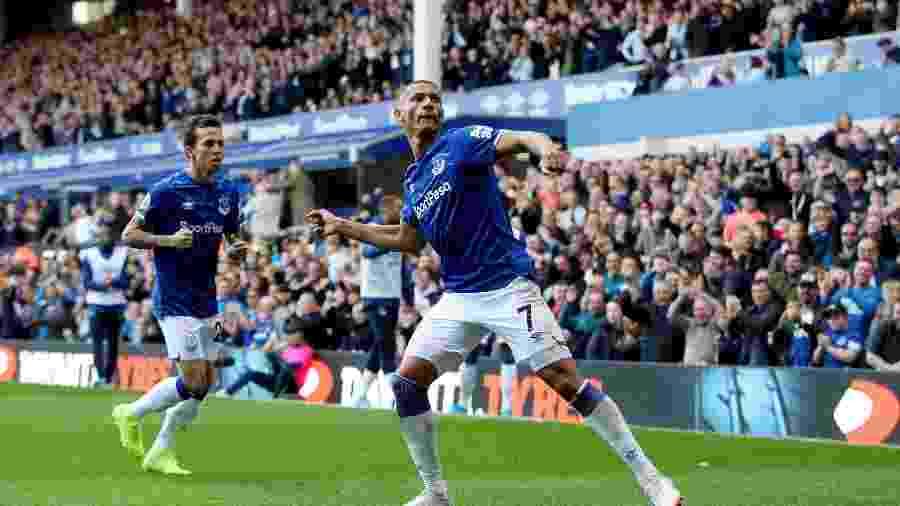Richarlison comemora gol pelo Everton no Campeonato Inglês - Reuters/Carl Recine