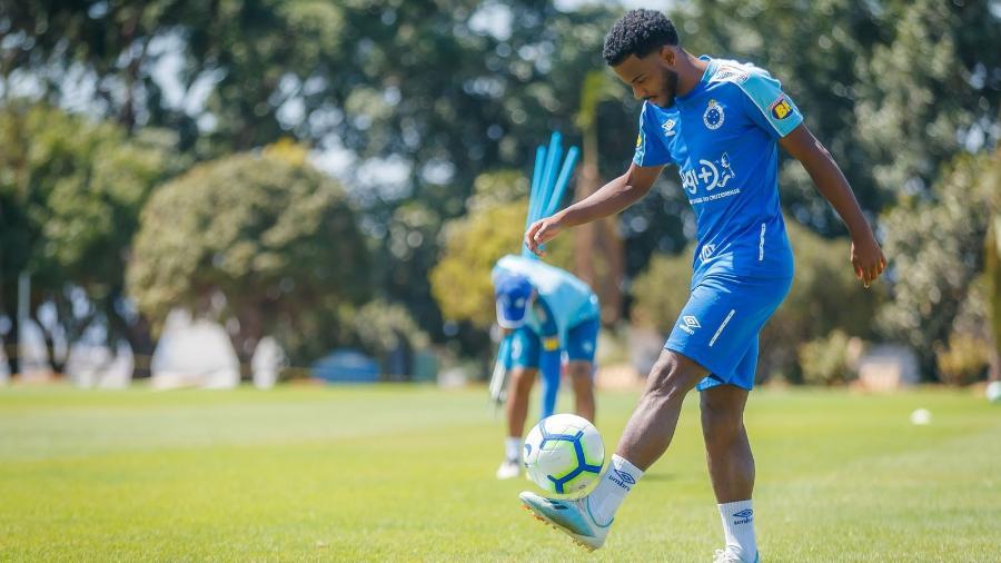 Ezequiel estava no Cruzeiro por empréstimo - Vinnicius Silva/Cruzeiro