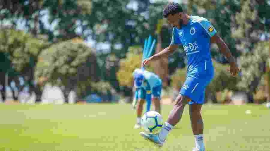 Atacante já vem treinando com o grupo na Toca da Raposa desde a última segunda-feira - Vinnicius Silva/Cruzeiro