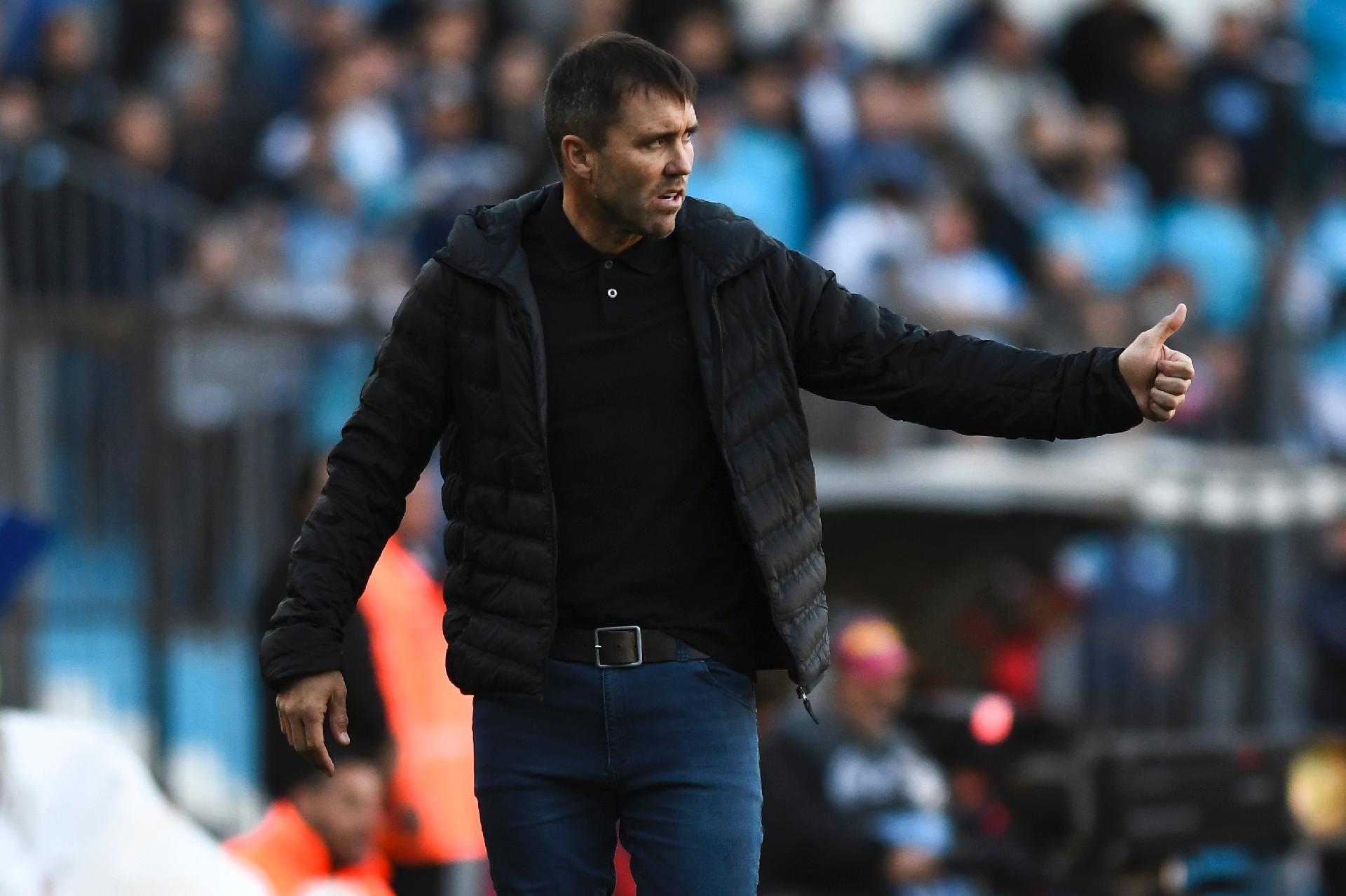 Inter apresenta proposta e aguarda desfecho com Eduardo Coudet