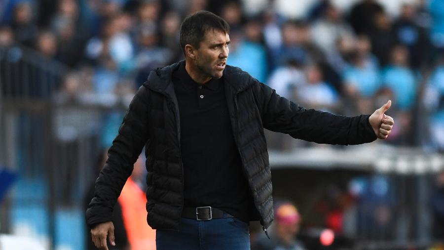 Eduardo Coudet, técnico do Racing, reconheceu contato do Inter, mas reforçou compromisso lá - Rodrigo Valle/Getty Images