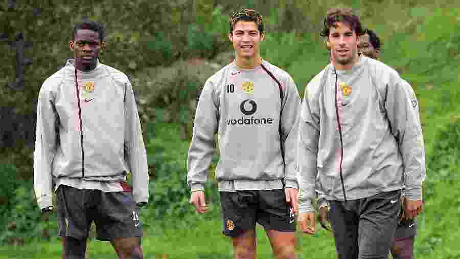 Louis Saha, Cristiano Ronaldo e Ruud Van Nistelrooy em treino do Manchester United - John Peters/Manchester United/Getty Images