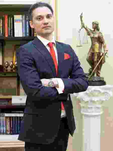 Gerasimov é o advogado russo de Robson - Divulgação